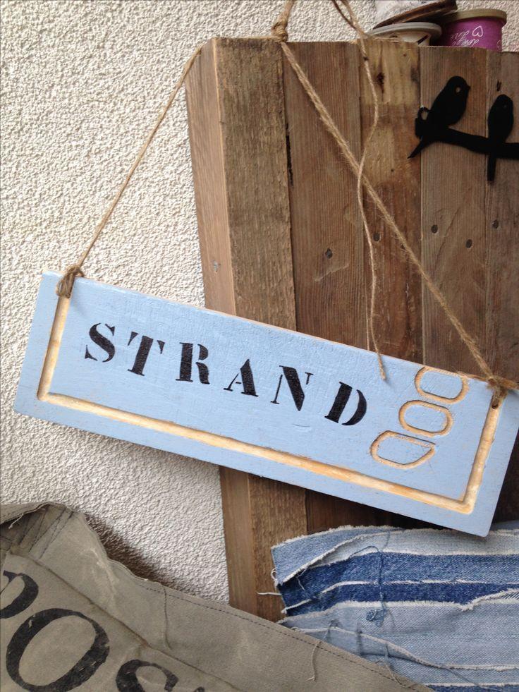 Strandbordje voor in een slaapkamer met zee-thema.