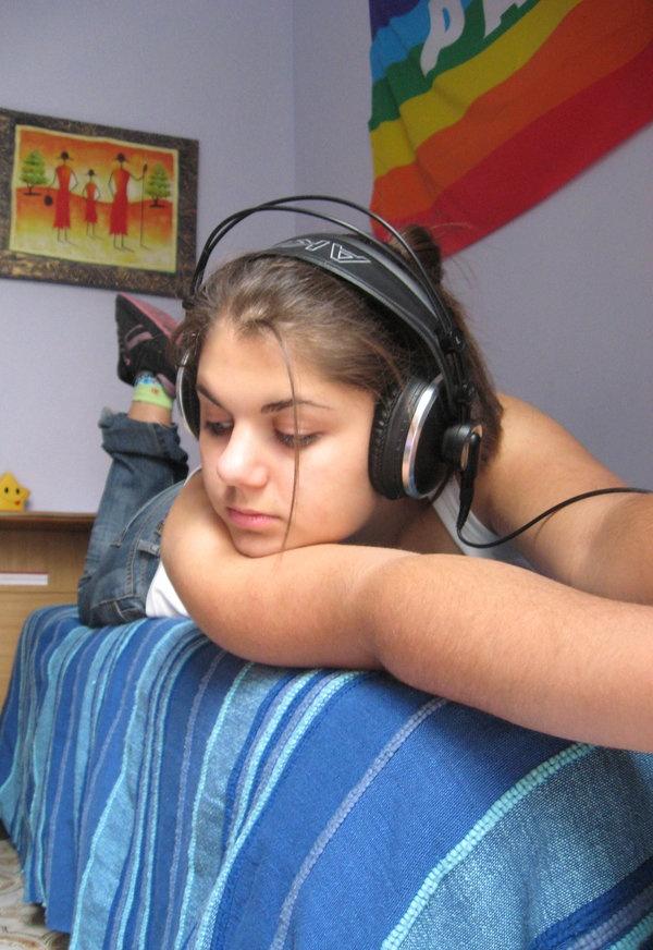 I love music by ~LuanaPudda
