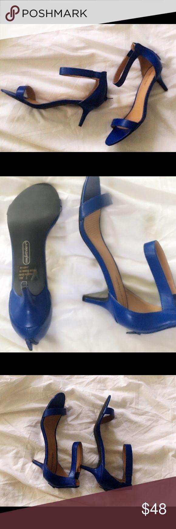 NASTY Gal Sexy kitten Heels Leather  kitten Heels with a 2 inch heel zip  back .  New never worn Nasty Gal Shoes Heels