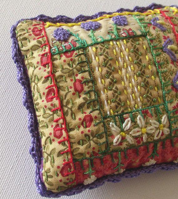 Hand Embroidered Hedgerow Pincushion Purple por JulieBullArtist,