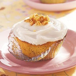Banana Cupcakes with Cream Cheese Frosting Recipe | MyRecipes.com