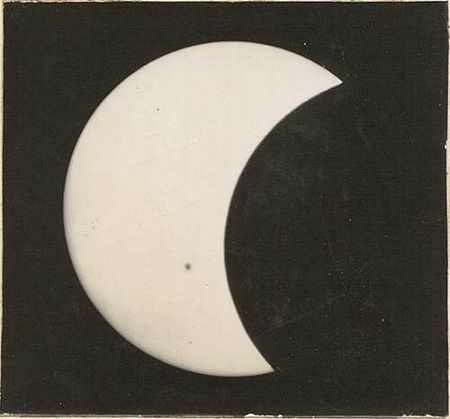 Unknown photographer, Sun partially eclipsed (1914)