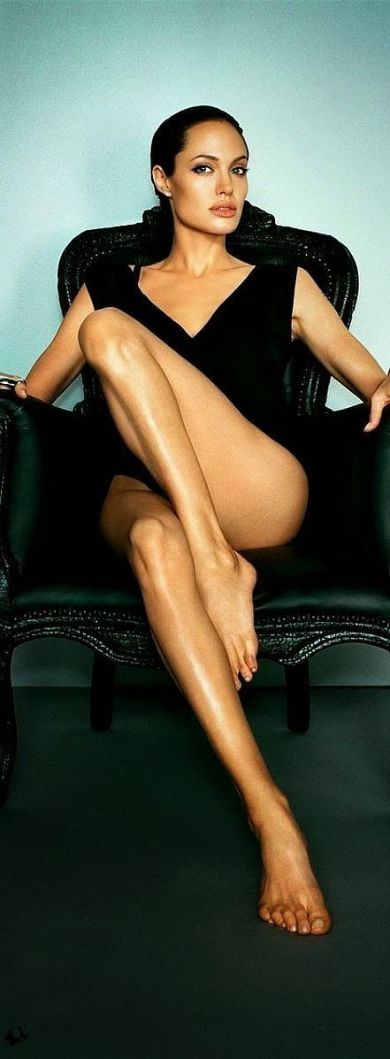 Angelina JOlie - Black Friday in Trendarty.com -20% de DESCUENTO https://www.facebook.com/trendarty/?ref=hl https://twitter.com/trendarty5 https://es.pinterest.com/trendarty/ and https://vimeo.com/trendarty #blackfriday #lujo #luxury #jetset #richlife #vips #belleza #beauty #moda #rebajas #descuentos #chollos #lowcoast #bargain #outlet