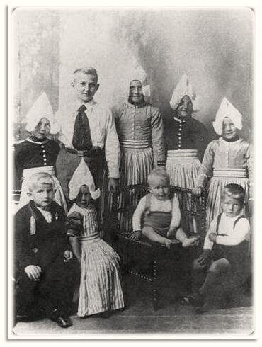 Gezinsfoto familie Schilder (de Bok) #NoordHolland #Volendam