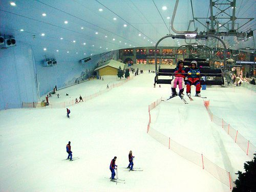 When in Dubai | skiing in snow with the desert outside