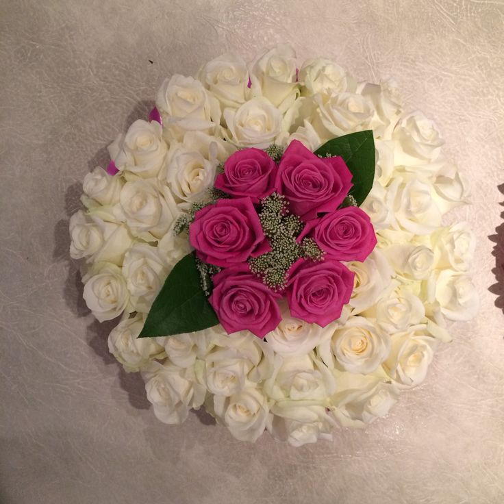 Based posy pad with roses