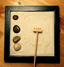 How To Make An Anti-Stress Miniature Zen Garden For Your Desk [Chart]
