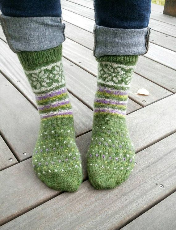 Check out this item in my Etsy shop https://www.etsy.com/se-en/listing/486064849/dot-and-star-woolsocks-stjarn-och