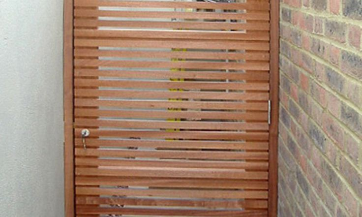 Contemporary slatted gate
