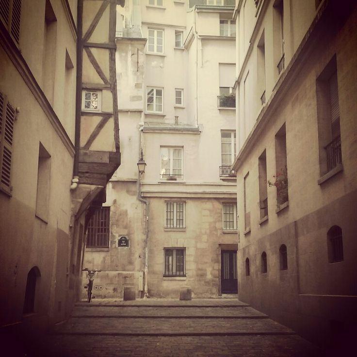"""That little hidden gem of Paris is rue du Grenier sur l'Eau!  Medieval houses all around and the back of Saint Gervais church are must-see! Be sure to check the lovely tea place """"L'Ébouillanté"""" just after the 2CV tour!  #2cv #2cvparistour #paris #saintgervais #tea #lebouillante #trip #travel #france"""