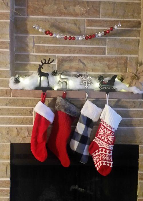 Budget-friendly stocking stuffers for every traveler on your list #travel #budget #stockingstuffers #christmas #wanderlust