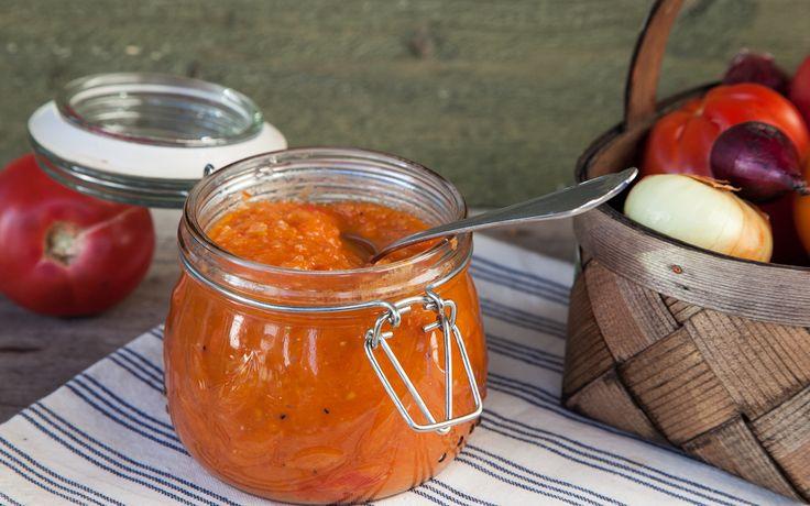 Tomati-sibula moos