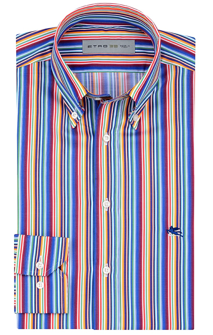 Figurnah geschnittenes Hemd von Etro mit buntem Streifen-Muster. Aus reiner Baumwolle gefertigt, mit Button Down-Kragen und hellen Knöpfen.
