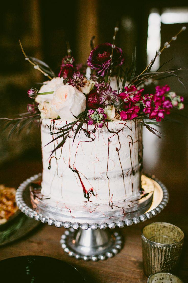 Naked cake with floral topper #weddingcake @weddingchicks