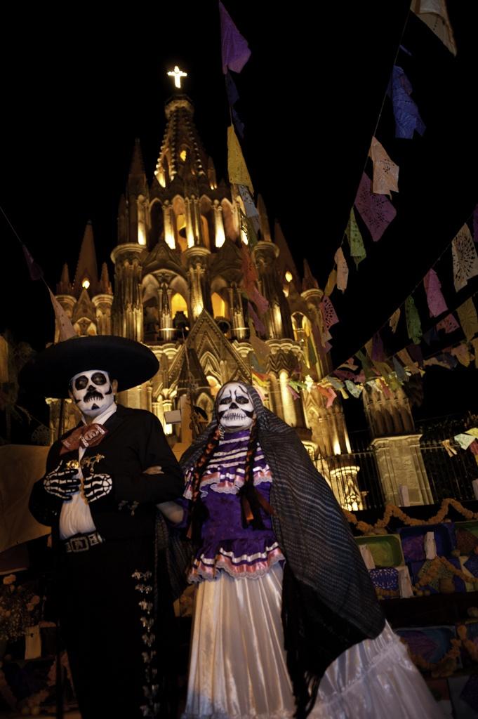 Day of the Dead in San Miguel/ San Miguel Allende, Guanajuato. Hermosas tradiciones.!!  Bellisima ciudad.