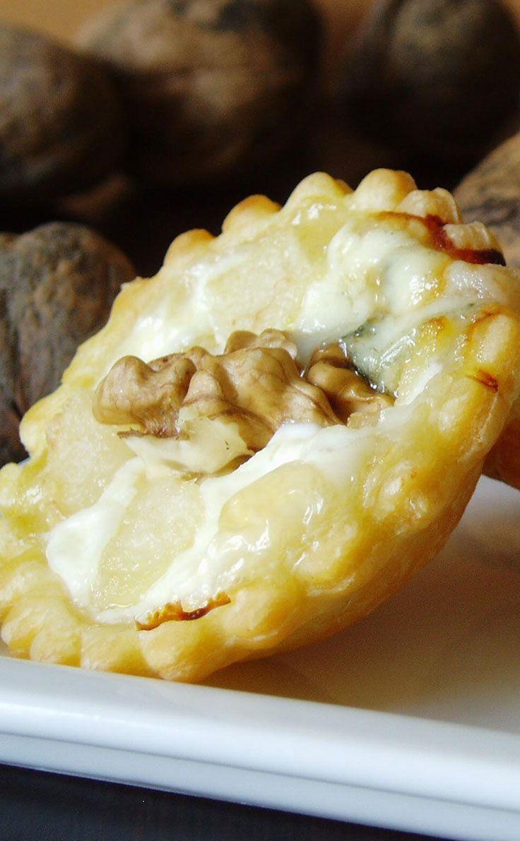 Mini tartelettes roquefort poire | Recette | APÉRO en 2019 | Petit four apéritif, Mini tarte et ...