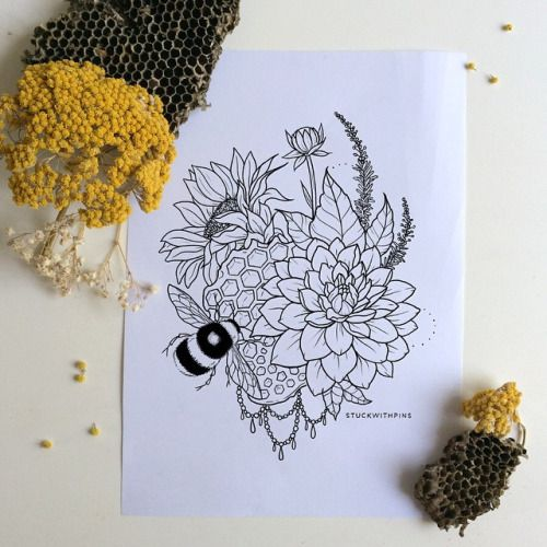 stuckwithpins:  Super detailed bee & honeycomb tattoo design. The client ended up passing on this version, but I still wanted it to at least see the light of day on Instagram.