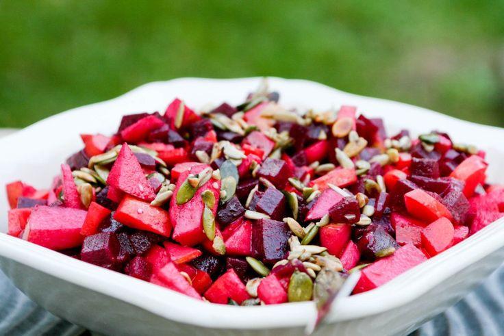 Efterårs salat med gule rødder og røde beder