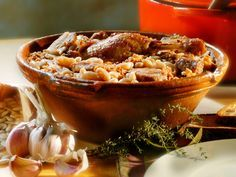 """LE CASSOULET de ma Mémé (granius, carottes, poireau, celeri, oignon, ail, concentré de tomate, thym, laurier, clous de girofle, pied de porc pour le côté """"collant"""" comme disent les anciens, couennes, lard rance, cuisses de canard confites, saucisse fraîche, saucisse de couenne, graisse de canard) Pour la cuisson au four il faut le faire en plusieurs fois et casser la croûte 6 à 7 fois selon les goûts et le temps de chacun. Et évidemment, il faut le manger le lendemain, c'est cent fois…"""