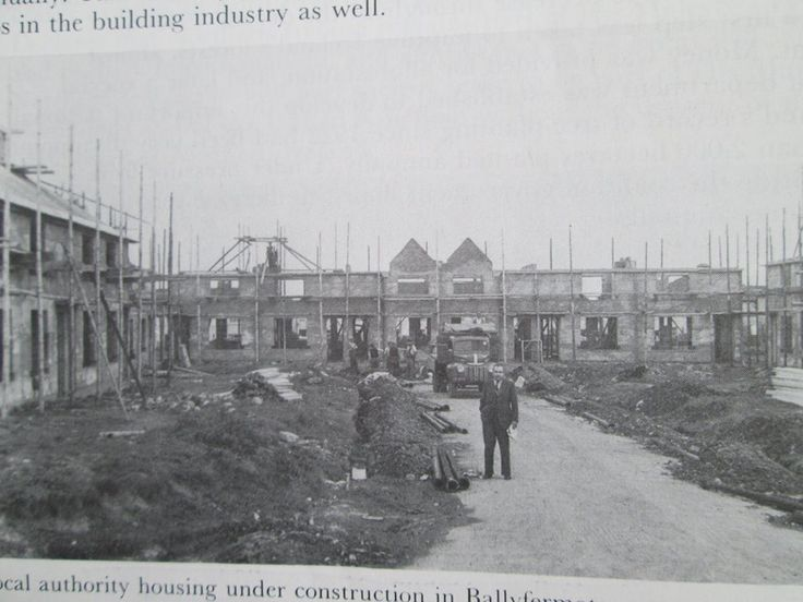 Thomand Rd being built