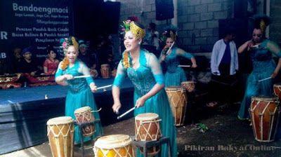Seni Tradisional Ditampilkan Dalam Hajat Lembur. Jaga Lemah, Jaga Cai, Jaga Budaya...