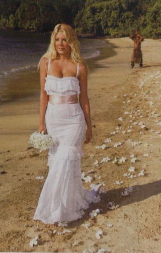 Dolce and gabbana wedding dresses my wedding ideas for Dolce and gabbana wedding dresses