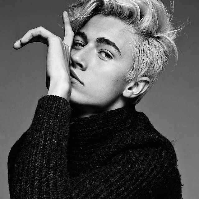 Lucky Blue Smith - When You're Sick.