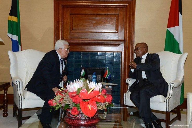 "Afrika Selatan himbau warganya untuk tidak mengunjungi ""Israel""  JOHANNESBURG (Arrahmah.com) - Presiden Jacob Zuma menghimbau orang Afrika Selatan untuk tidak mengunjungi ""Israel"" kecuali mereka yang bekerja pada lembaga yang membantu perkembangan perdamaian di wilayah tersebut.  Dalam pidato yang disampaikan di hadapan ribuan pendukungnya selama ulang tahun Kongres Nasional Afrika (ANC) yang ke-105 di ibukota Johannesburg pada Ahad (8/1/2017) Zuma mengatakan: ""orang-orang Palestina terus…"