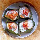 #Thaise kip curry in een bananenblad mandje.