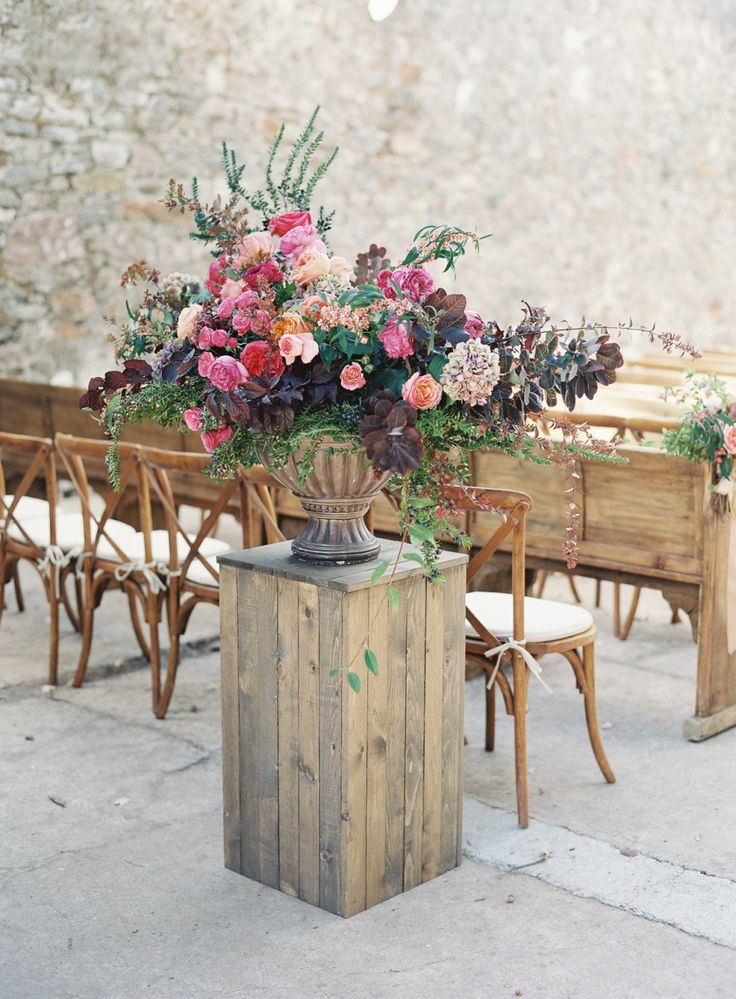 Photography: Emily Scott | Planning: Shannon Leahy Events | Floral Design: Cherries Flowers | Lighting: Bright Event Rentals | Linen Rentals: La Tavola Linen | Rentals: Archive Rentals and Classic Party Rentals