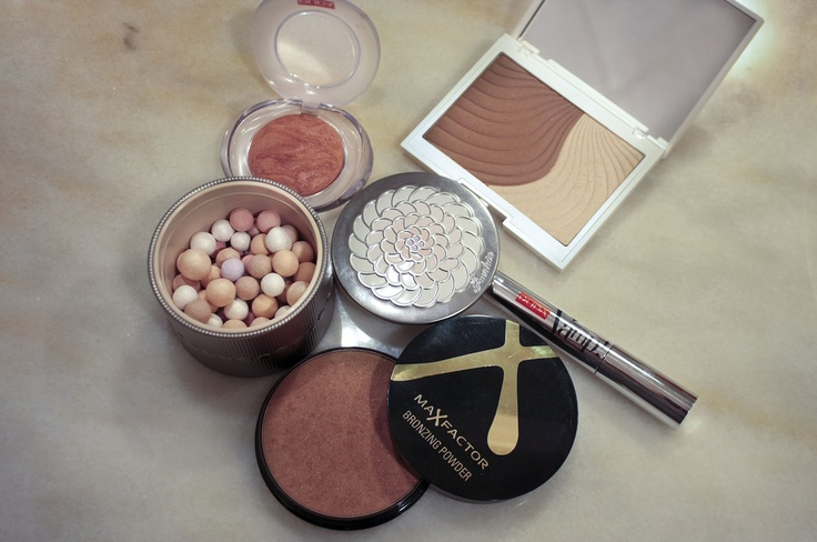 Favourites makeup products www.thecurlyway.com