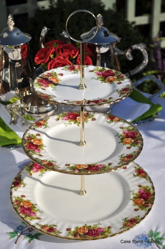one of my favourite three tier cake stands...still can't afford it