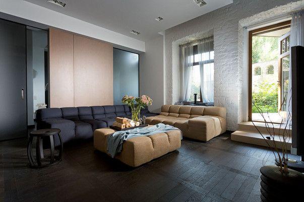 Квартиры на первом этаже продаются процентов на 10-15 дешевле своих аналогов с верхних этажей. Как превратить неудачное расположение в достоинство? Разбираем интереснейший проект Наталии Олексиенко.