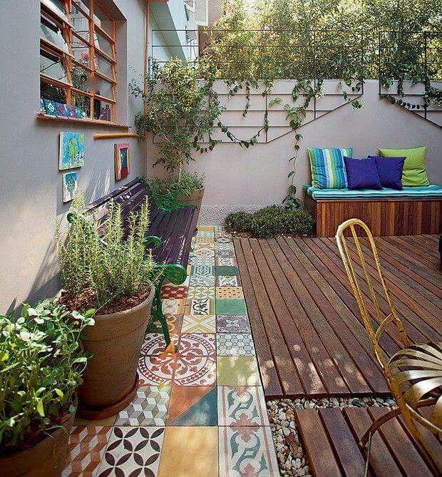 Terraza patios terrazas plantas y jardines for Azulejos terrazas patios
