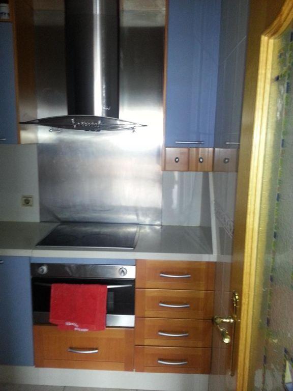 стиральная машина, вытяжка посудомоечная машина, холодильник, электрическая плита, планча (электро-гриль)
