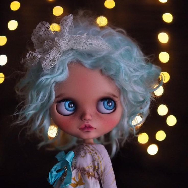 Kaya • ooak custom Blythe doll fake base mohair weft hair mint color