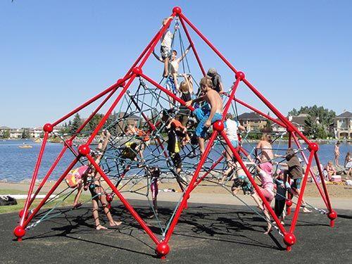 Pyramid Rope Climber