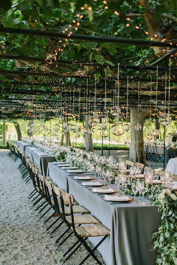 Elegant Garden Wedding in Napa Valley by Leslie Struble for Rosemary Events Asscociates (Planning & Design) + The Edges Wedding Photography - via Magnolia Rouge