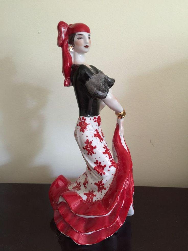 VINTAGE USSR RUSSIAN KIEV PORCELAIN LARGE AMAZING FIGURINE DANCING GYPSY WOMAN