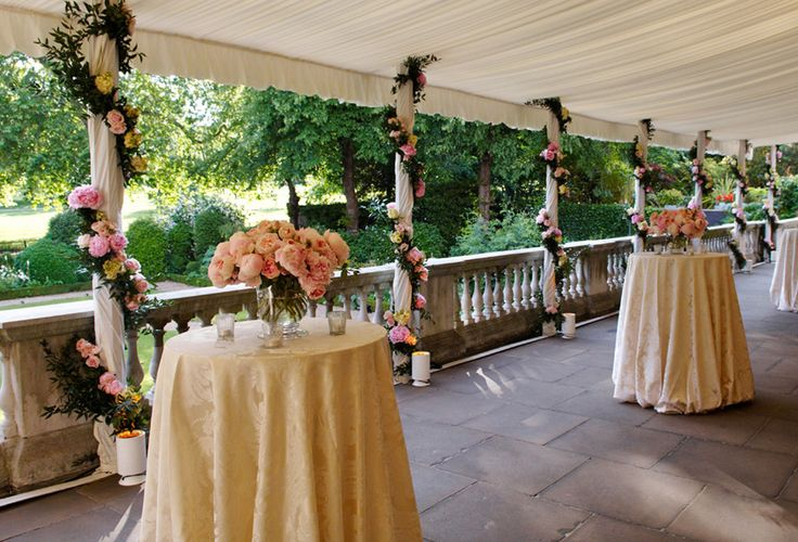 At almost 50 metres in length, the Terrace at Spencer House has a comfortable capacity of 250 for wedding receptions in London.