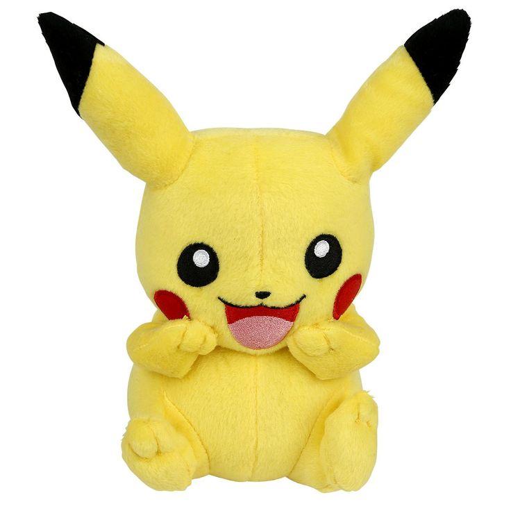 """Pokemon - Pikachu plysfigur  - ca. 20 cm - 100% polyester  Fang dem alle! Farverigt eventyrunivers skabt af spildesigneren Satoshi Tajiri i samarbejde Nintendo. I fortællingerne om Pokémon indgår både videospil, spillekort, animé og meget andet. Pokémon er en sammentrækning af ordene Pocket og Monster (""""Lomme-monster""""). Serien så i 2016 et stort comeback med det ekstremt populære spil """"Pokémon Go"""
