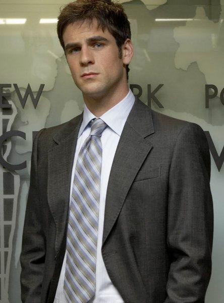 I really don't want to find Eddie Cahill attractive, but just look