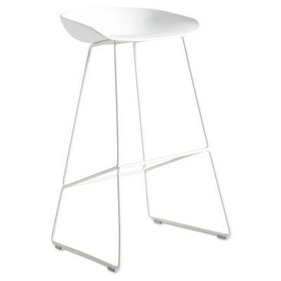 About a Stool Sled barstol h75 från Hay. Tanken med serien About a Stool var att skapa en stol med e...