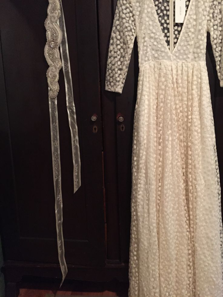 Lurelly/ Embroidered Flower Gown-full-3