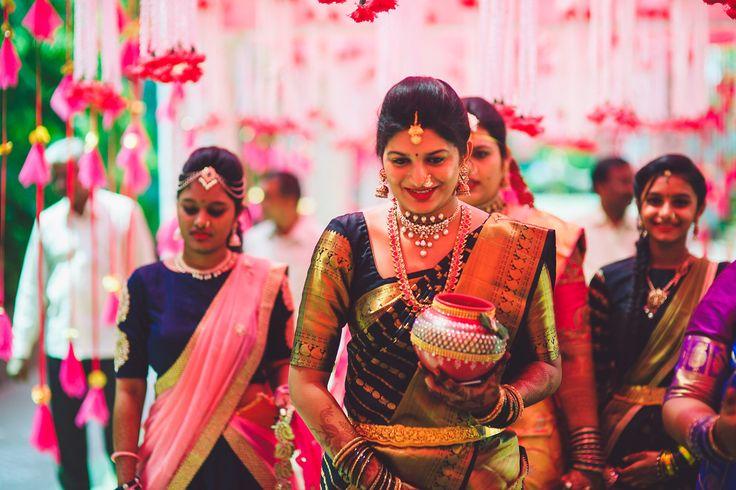 Outfit : Prakash Sarees, Kancheepuram Jewellery : Shree Raj Jewellers Location : J Convention Centre & Resorts, Hyderabad Photography : Kishor Krishnamoothi