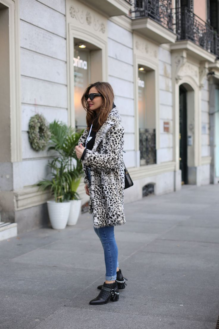Sweatshirt & fur looks - Lady Addict