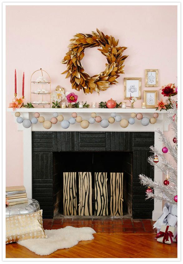 Modern Holiday Fireplace Decor Ideas And Inspiration Holiday Fireplace Decor Holiday Mantel Holiday Fireplace