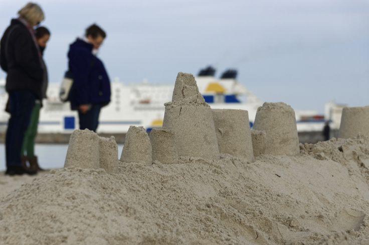 Sandburgen am Strand