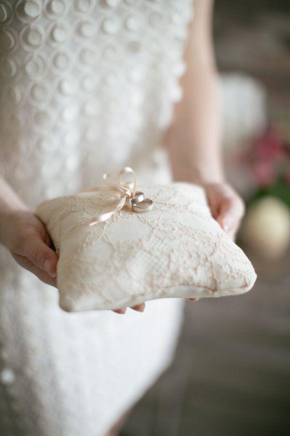 Almohada de anillo boda anillo portador almohada por LePetitMariage