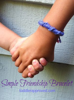 Toddler Approved!: Simple Friendship Bracelet to go along with @MeMeTales ebook Stickfiggy Makes a Friend #readforgood Do you have any other favorite friendship themed books?: Weekend Projects, Toddlers Approv, Easy Friendship Bracelets, Favorite Friendship, Simple Friendship Bracelets, Diy Bracelet, Ties Knot, Kids Parties Crafts, Bracelets Readforgood